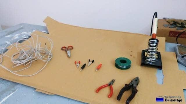 materiales para fabricar las pinzas de cocodrilo