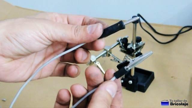 como hacer unas pinzas de cocodrilo para el tester o multimetro