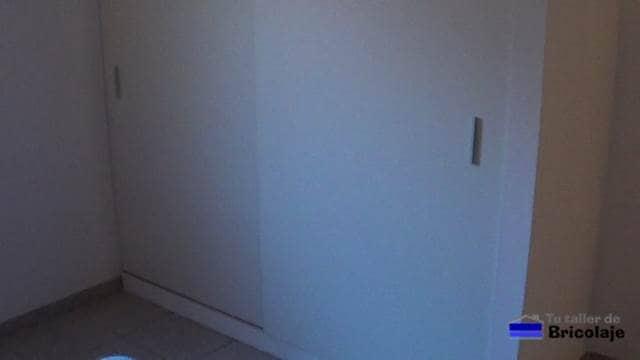 el nuevo armario en la habitación grande