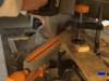 realizando los cortes necesarios para confeccionar el árbol