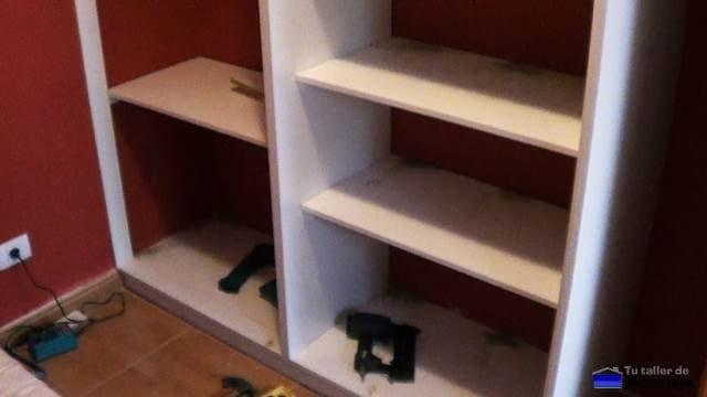 interior terminado del armario empotrado a medida