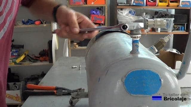 añadiendo la salida al compresor para reutilizarlo