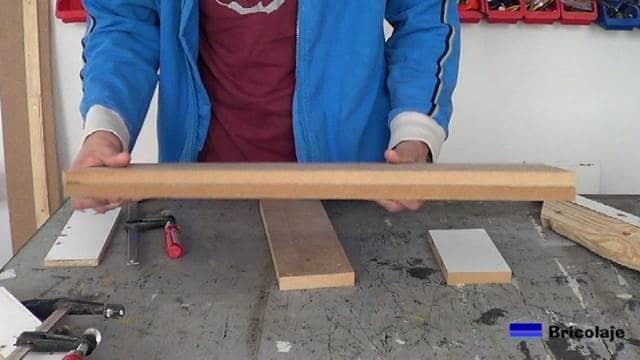 hemos aumentado el grosor de la madera mediante cola y dos madera del mismo tipo