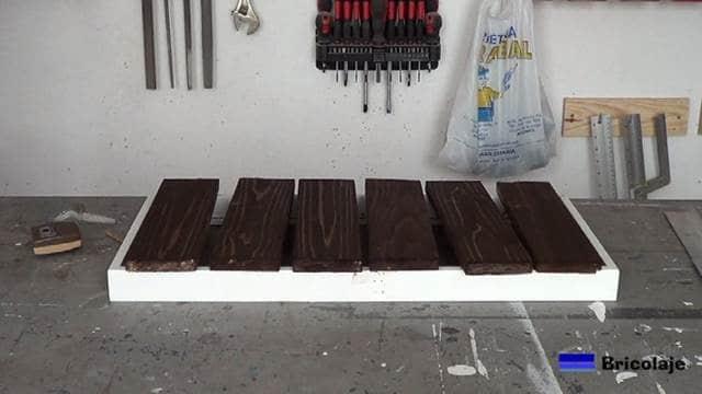 decorando la madera de palé