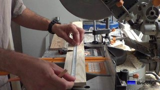 marcando la madera para cortarla