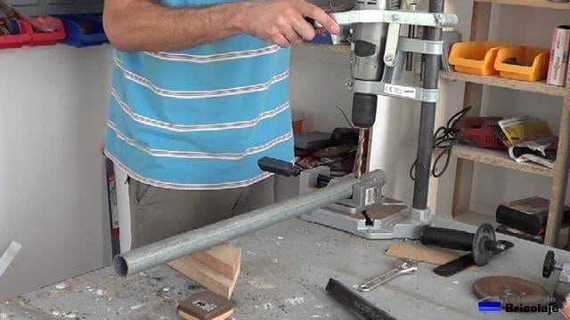 perforando un agujero en el tubo de 8.5 mm de diámetro