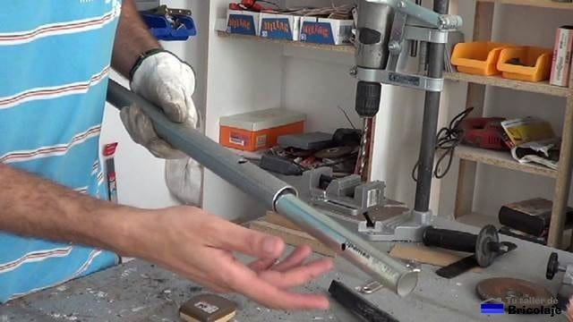 insertando un trozo de tubo en otro