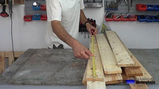 madera de palets para realizar el cabecero para la cama