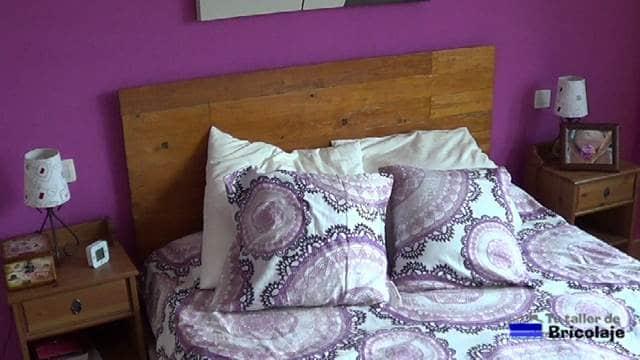 cabecero de cama sin personlizar, faltan las pegatinas adhesivas