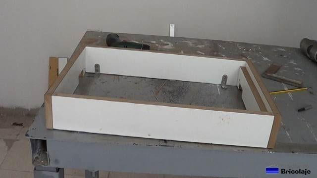 estructura de la caja de registro de madera