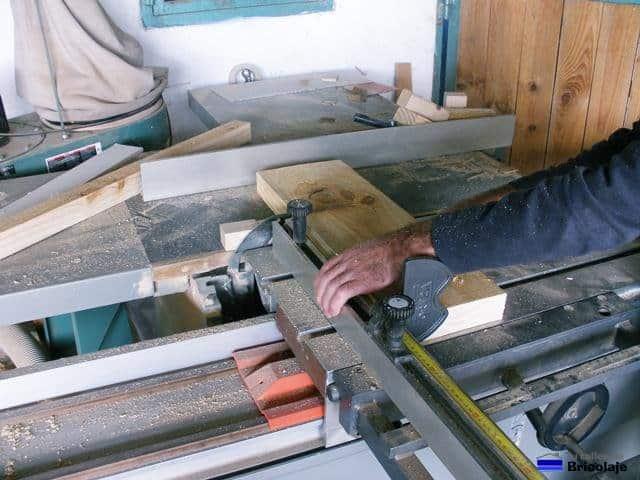 Cómo hacer una cama para niños en madera - tutallerdebricolaje.com