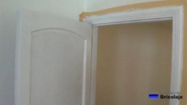 puertas con dos manos de pintura, a falta de una más