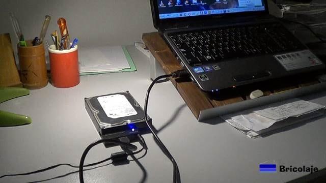 con el adaptador sata a usb es suficiente para poder usarlo como disco duro externo
