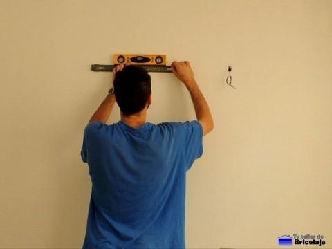 nivelando el soporte del fluorescente