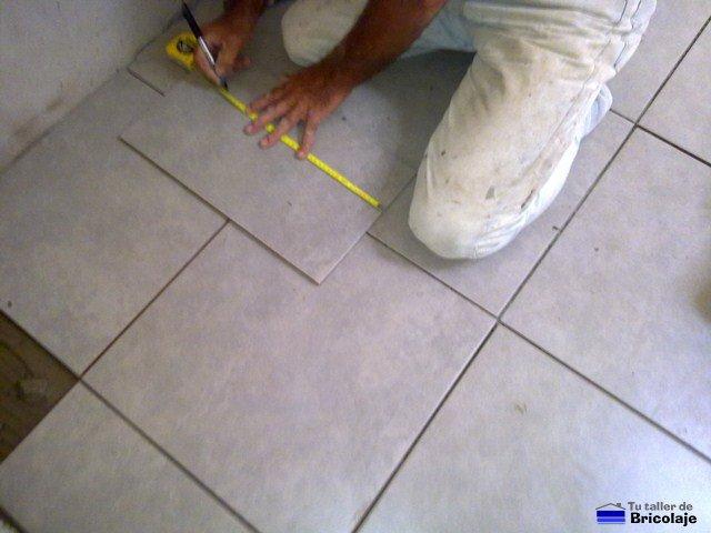 C mo colocar plaquetas o alicatar el suelo - Plaquetas para suelos ...