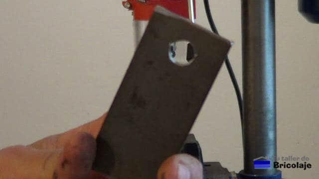 pletinas perforadas con broca de 12,5 mm