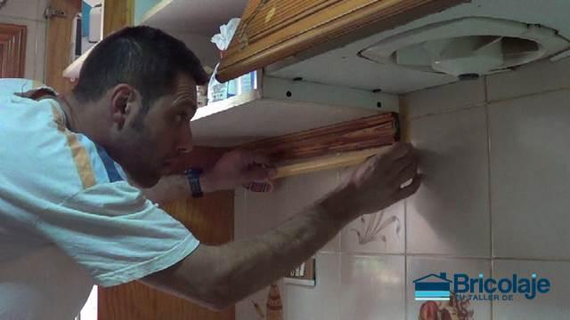 C mo pintar azulejos en ba o o cocina for Cubrir azulejos bano