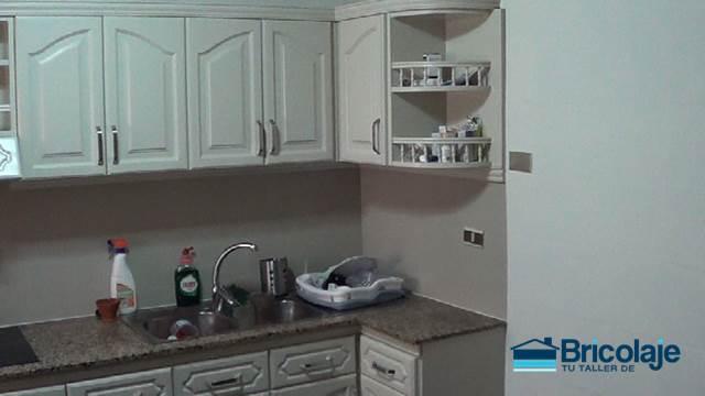 C mo pintar azulejos en ba o o cocina for Como pintar azulejos cocina