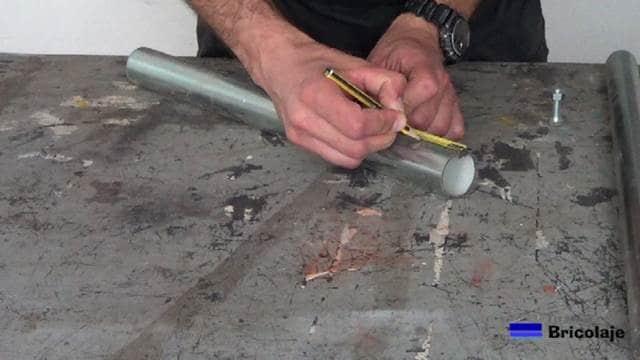 marcando a 5 cms del borde del tubo de 40 mm de diámetro
