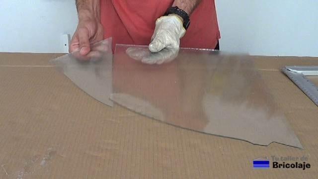 primer corte realizado en el vidrio o cristal