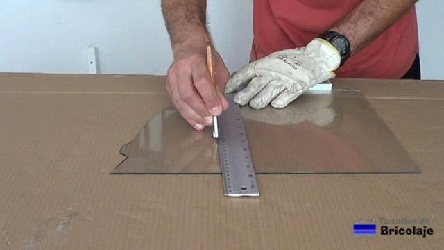 cortando el cristal o vidrio