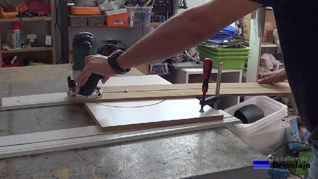 probando la plantilla para hacer cortes circulares con la fresadora o router