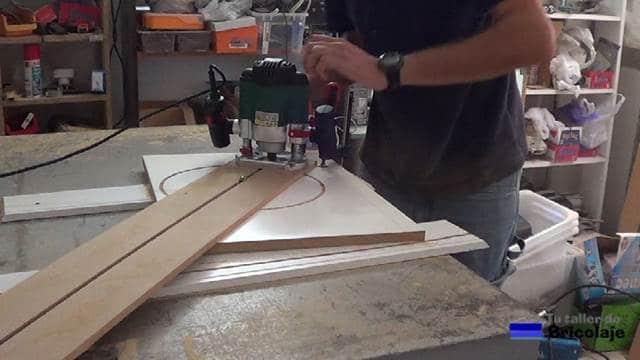 probando la eficacia de la plantilla para hacer los cortes circulares