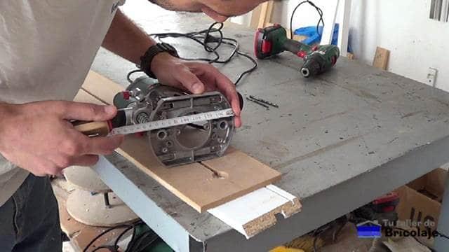 midiendo la base de la fresadora o router