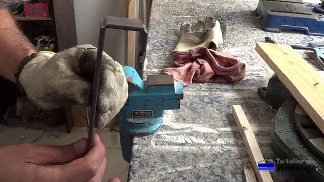 dobleces realizados a la pletina de hierro