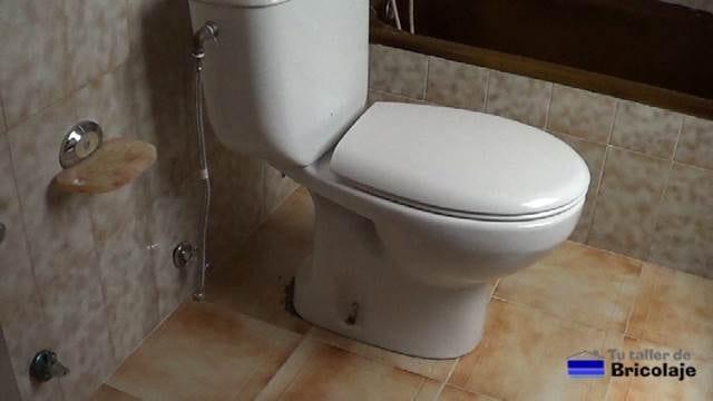 pieza del baño al que vamos a hacerle el rejuntado