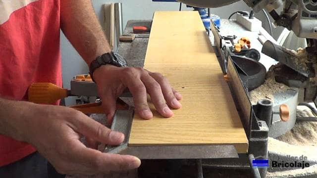 madera para obtener las escuadras para unir o ensamblar maderas
