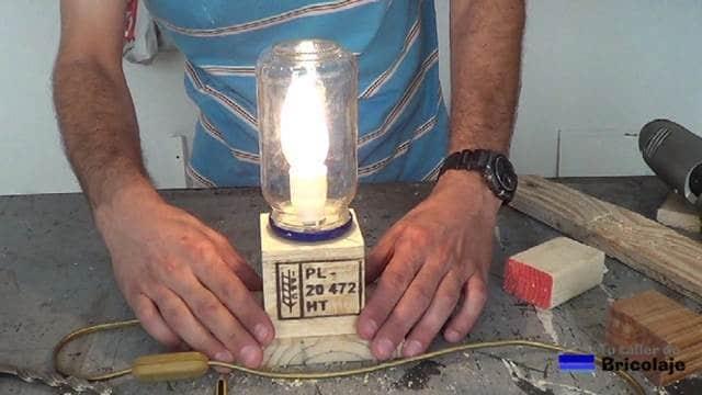 probando el funcionamiento de la lámpara