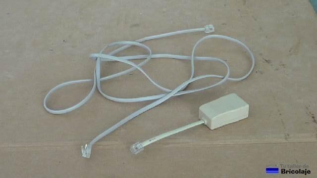 vamos a aprovechar un microfiltro y un cable macho a macho para construir el cable macho hembra