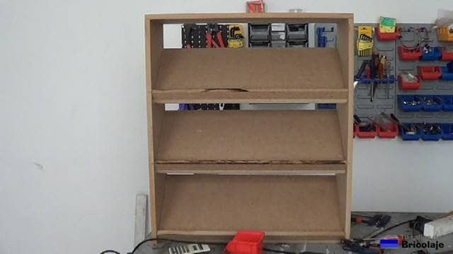 C mo hacer una zapatera de madera para ni os 1 2 for Ideas para hacer un zapatero