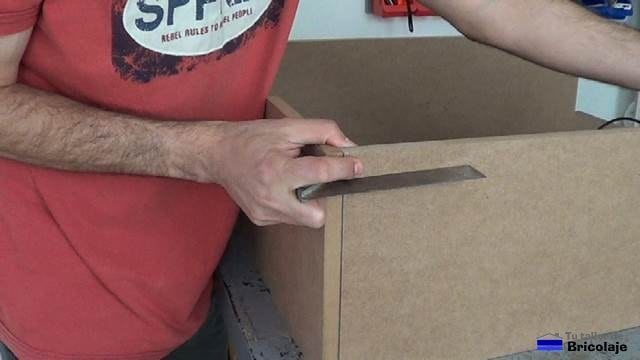 escuadrando la estructura para una fabricación perfecta de la zapatera