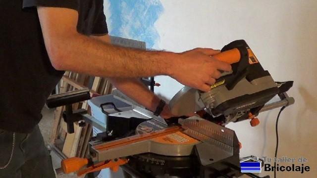 la ingletadora multifunción permite cortar madera, aluminio, hierro... con el mismo disco
