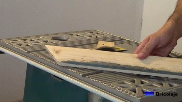 cortando a inglete la moldura superior