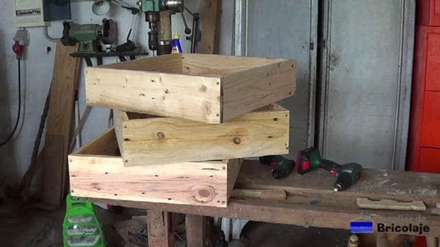 partes que formarán la jardinera de madera de palets