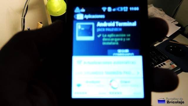 descargando del play store la app Android Terminal Emulator