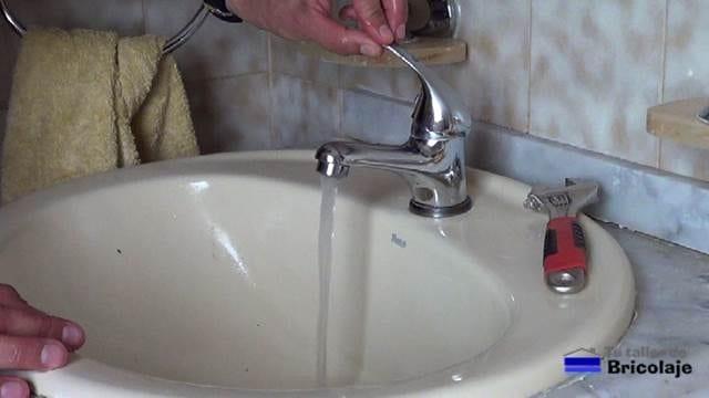 probando la eficacia del lavado del aireador