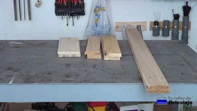 madera de palet para hacer la mesa auxiliar de terraza, azotea...