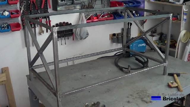 C mo hacer una mesa de centro de hierro y palets 1 2 for Base para lavadero