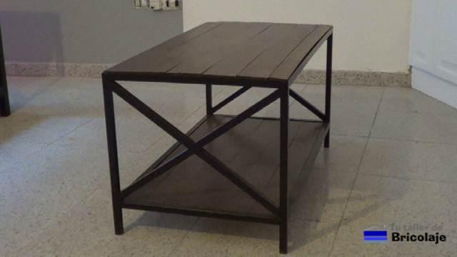 C mo hacer una mesa de centro de hierro y palets 2 2 for Como hacer mesa de trabajo con palets