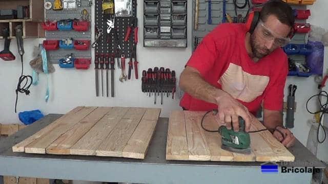 lijando la madera de palets