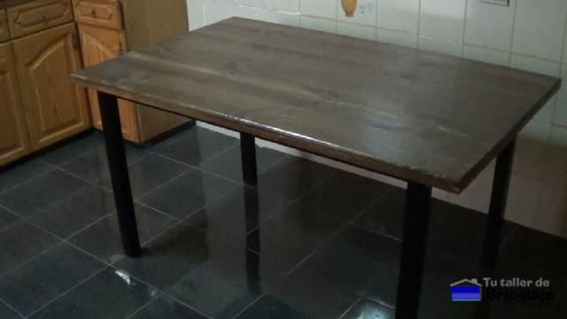 C mo hacer una mesa comedor de hierro y madera for Construir mesa de madera