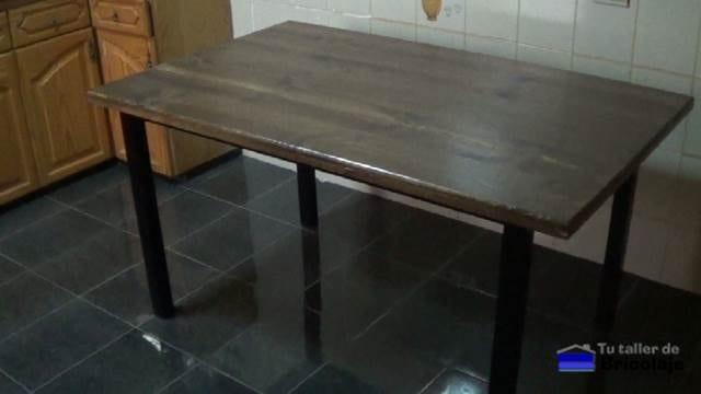 Cómo hacer una mesa comedor de hierro y madera