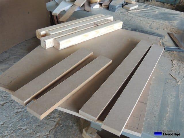 C mo hacer una mesa de madera para ni os for Crear una cubierta de madera
