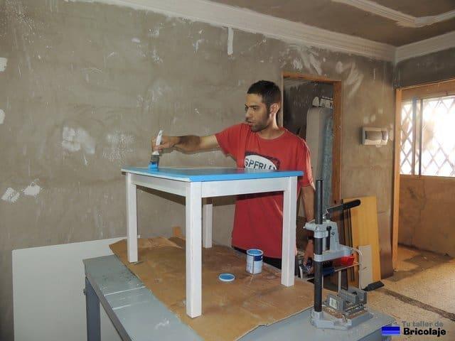 C mo hacer una mesa de madera para ni os - Como hacer una mesa de ordenador ...