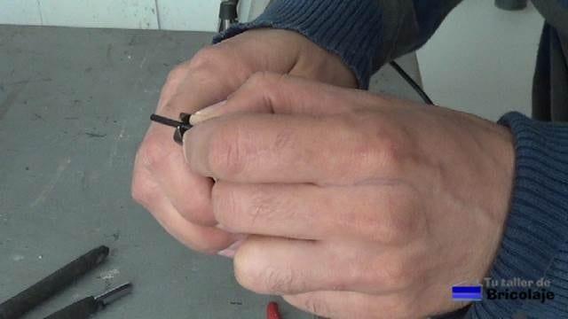 pelando el cable de audio