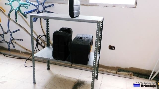 cómo montar una estantería metálica a medida